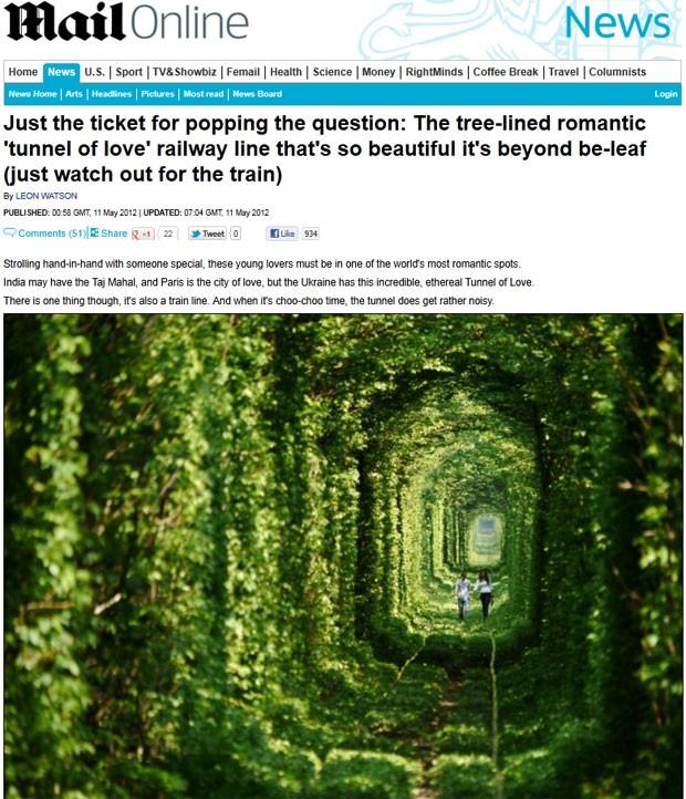 Casal passeia pelo 'túnel do amor' ucraniano (Foto: Reprodução/Daily Mail)