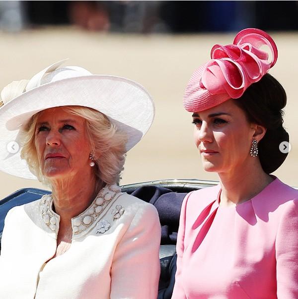Camille e a nora Kate em desfile da família real (Foto: Reprodução Instagram)