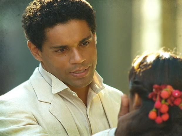 Chico aconselha Gilda a tomar cuidado com Albertinho (Foto: Lado a Lado / TV Globo)