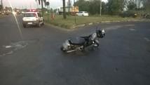 Mulher morre em acidente de moto (Corpo de Bombeiros/Divulgação)