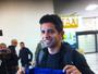 Guilherme desembarca no México  e posa com camisa do Cruz Azul