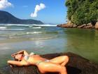 Aos 36, Luize Altenhofen ostenta corpão e posa sexy em praia