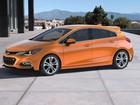 GM apresenta novo Cruze Hatch e compacto elétrico 'acessível'