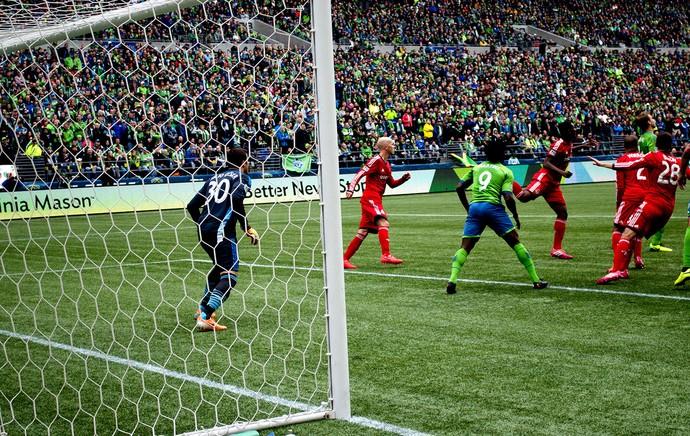 Julio Cesar jogo Toronto MLS (Foto: Diogo de Avila / Globoesporte.com)