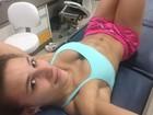 Jade Barbosa chama atenção pelo decote e barriga sarada em selfie