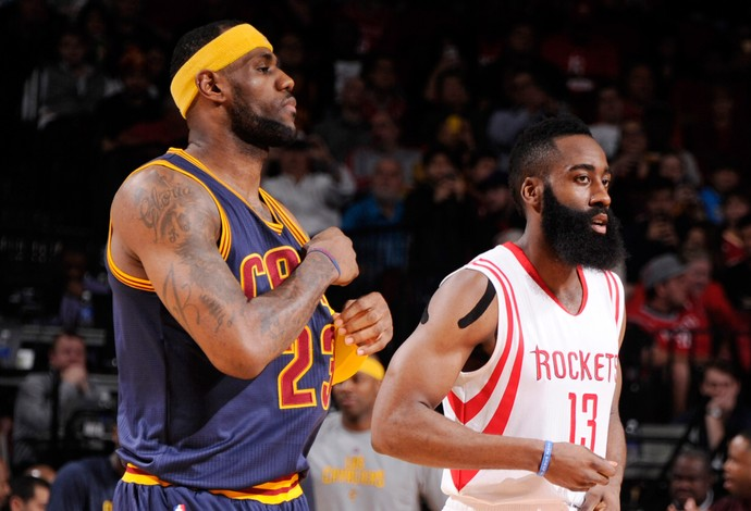 LeBron James James Harden Cleveland Cavaliers x  Houston Rockets (Foto: Getty Images)