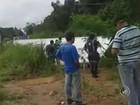 Motorista morre após cabine de caminhão ser esmagada ao cair no rio
