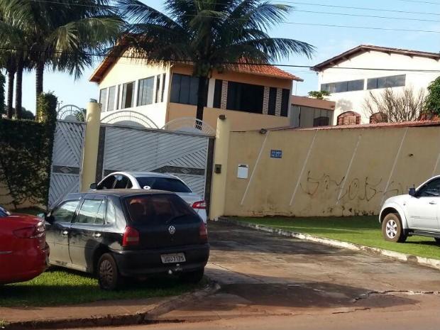 Fachada de condomínio onde mora a deputada distrital Telma Rufino (PPL), no Park Way (Foto: Isabella Calzolari/G1)