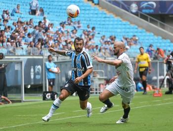 Douglas e Glauber, Grêmio x Veranópolis (Foto: Marcos Cunha / Ag. Estado)