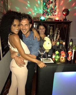 Igor Rickli e Aline Wirley fazem festa para comemorar aniversário no Rio (Foto: Instagram/ Reprodução)