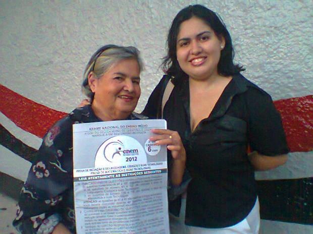 Olga, de 73 anos, e a filha Cláudia realizaram neste domingo a segunda etapa do Enem 2012. (Foto: Gil Sóter/ G1 PA)