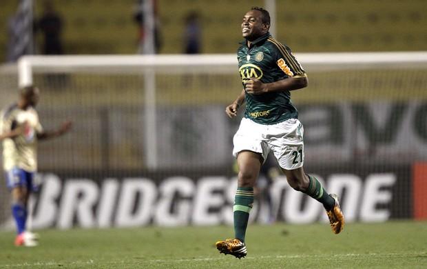 Obina, Palmeiras x Millonarios Agência AP (Foto: Agência AP)