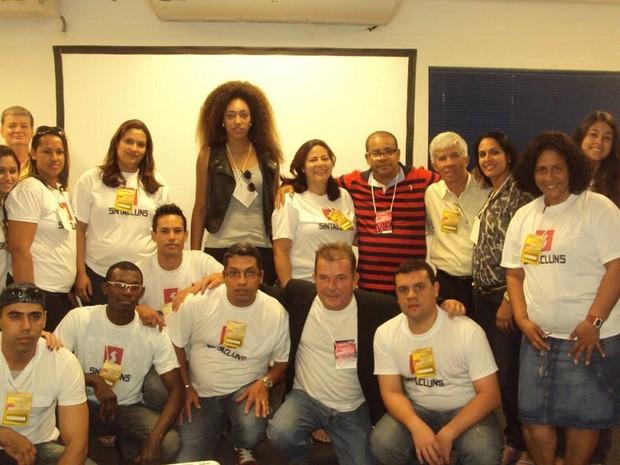 Alunos do curso de capacitação em cortes étnicos (Foto: Luiza Ferreira / Arquivo Pessoal)
