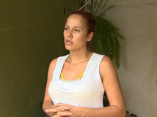 A irmã da vítima, Élida Fernanda Silva Pessoa (Foto: Ronaldo Oliveira/EPTV)