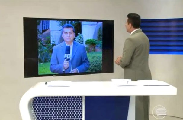 Jornalista Marcos Teixeira comenta os bastidores da política em entrada ao vivo no Bom Dia Piauí. (Foto: Reprodução/TV Clube)