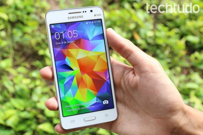 A tela do Galaxy Gran Prime é de LCD TFT (Foto: Lucas Mendes/TechTudo)