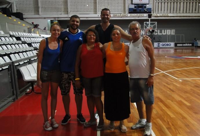 Olivinha Olívia família Flamengo NBB Basquete (Foto: Fabio Leme)