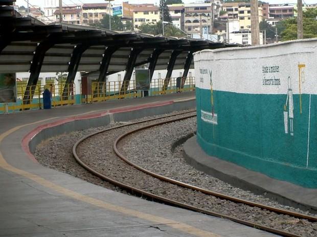 Vale cancela viagens de trem no Espírito Santo devido a protesto em ferrovia em MG (Foto: Reprodução/ TV Gazeta)