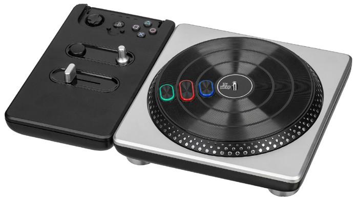 DJ Hero levou a série Guitar Hero em uma nova direção com um novo controle (Foto: Reprodução/Wikipedia)