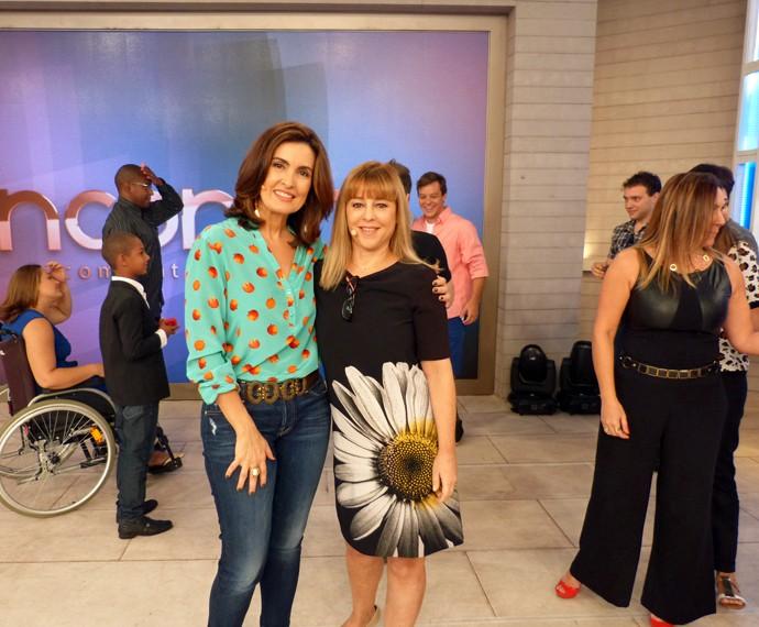 Convidada e Fátima no palco do 'Encontro' (Foto: Viviane Figueiredo Neto/Gshow)