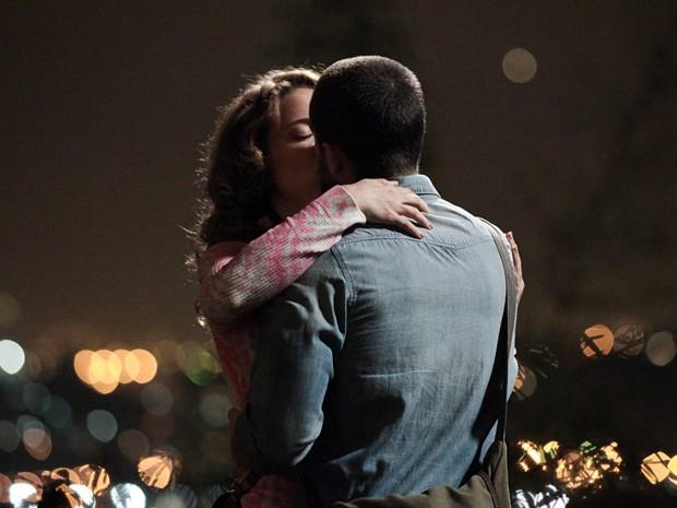 Vicente e Cristina são um dos casais apaixonados de Império! (Foto: Império / TV Globo)