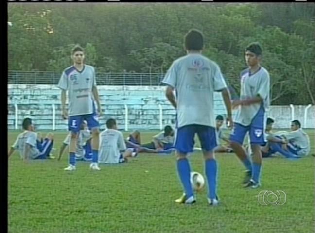 Time de base de Araguaína treina para disputar o Tocantinense Sub-19 (Foto: Reprodução/TV Anhanguera TO)