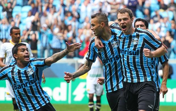 Luan Grêmio gol Criciúma Brasileirão (Foto: Marcos Cunha / Agência Estado)