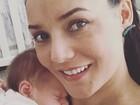 Mônica Carvalho posa com a filha Valentina: 'Momento fofura'
