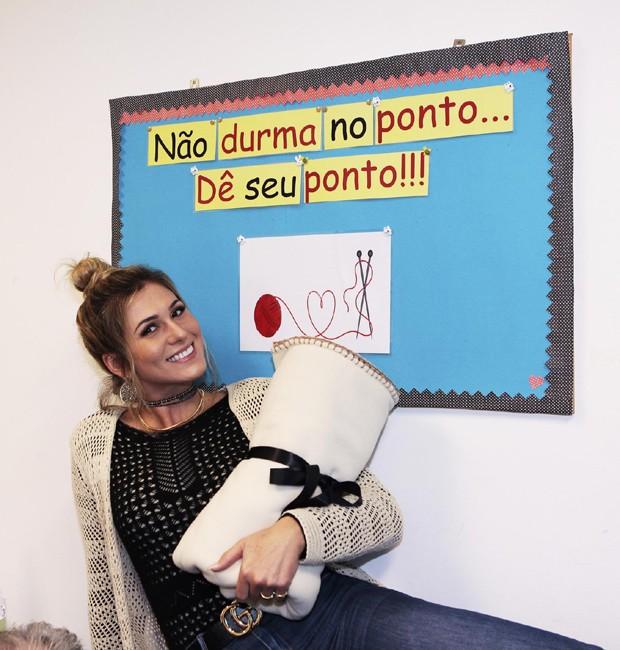 Lívia Andrade (Foto: Lourival Ribeiro/SBT) maisa silva aprende a fazer crochê ao lado da mãe Maisa Silva aprende a fazer crochê ao lado da mãe liviaandrade1
