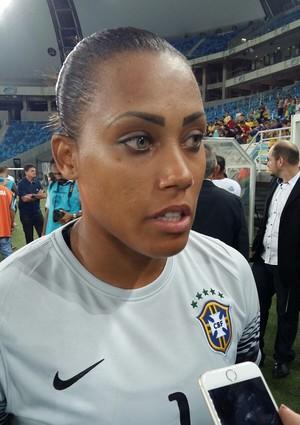 Barbara fala após o jogo (Foto: Jocaff Souza)