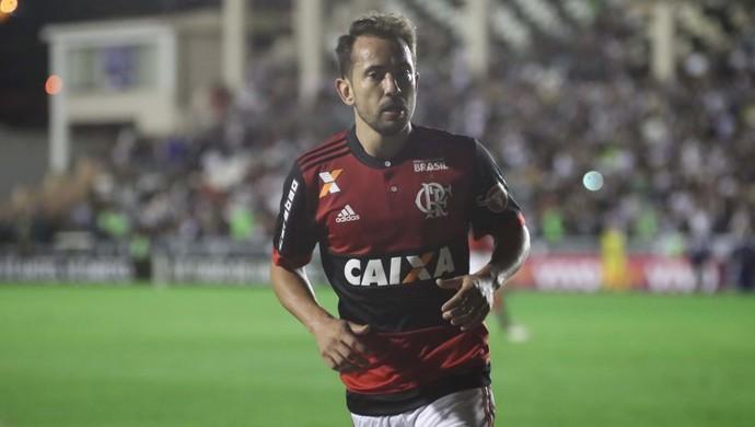 783b12083c Éverton Ribeiro Vasco x Flamengo São Januário (Foto  Gilvan de Souza  Flamengo)