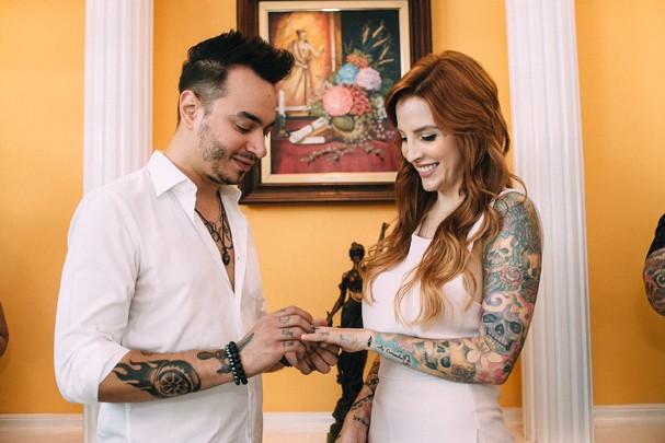 Clara Aguilar e Giu Daga: just married! (Foto: Divulgação)