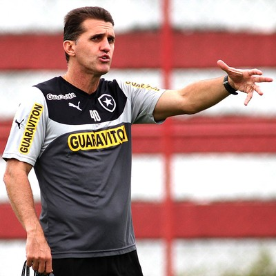 Vagner Mancini treino do Botafogo (Foto: Vitor Silva / SSPress)