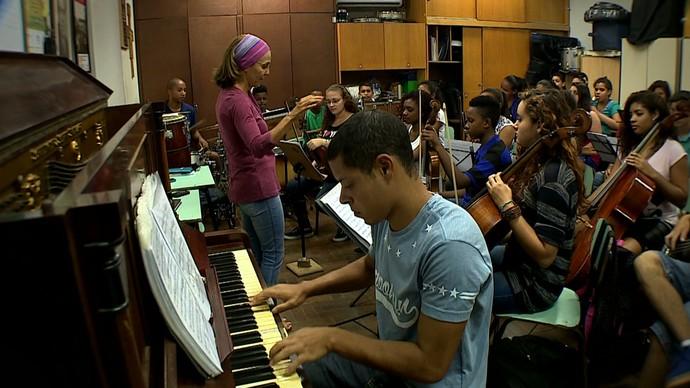 Inspiração conta a história da Orquestra Villa-Lobos (Foto: Reprodução/RBS TV)