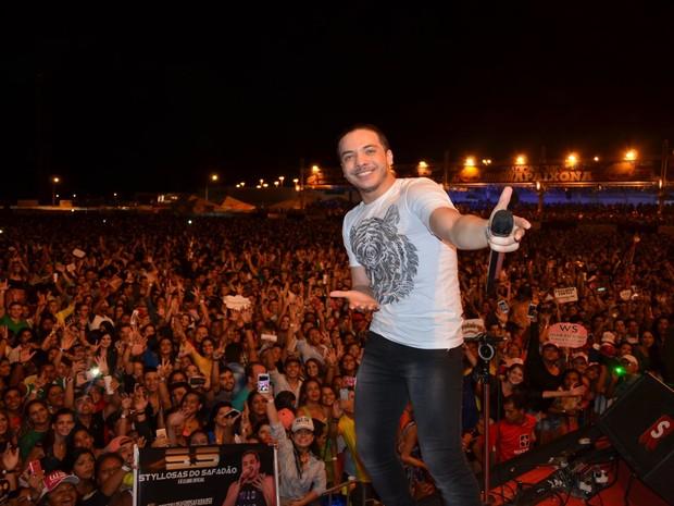 Fenômeno do forró, Wesley Safadão cantou só sucessos  (Foto: Marina Fontenele/G1)