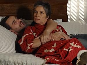 Melissa fica perturbada com notícia (Foto: Amor Eterno Amor / TV Globo)
