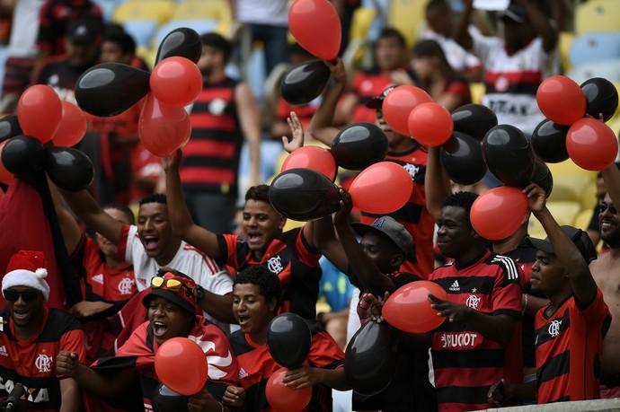 Torcida do Flamengo faz a festa no Maracanã (Foto: André Durão / GloboEsporte.com)