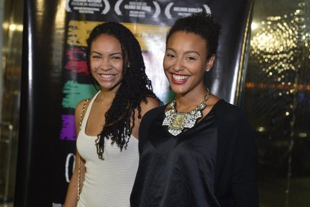 Sheron Menezzes e a irmã em pré-estreia de filme no Rio (Foto: André Muzell/ Ag. News)