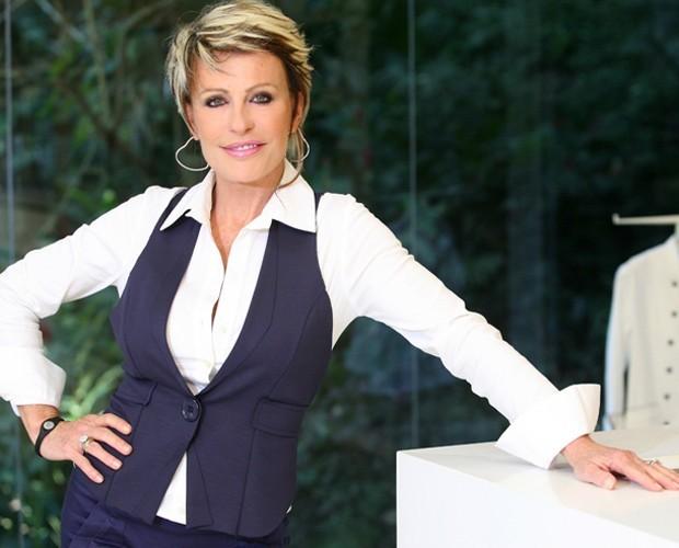 Ana Maria usa colete para incrementar visual (Foto: Márcio de Souza / TV Globo)