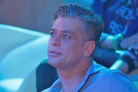 Fábio Assunção é Arthur em Totalmente demais (Foto: TV Globo)