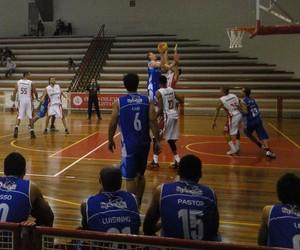 Paulistano x Rio Claro - Paulista de basquete 2014 (Foto: Ricardo Prado/AI Rio Claro)