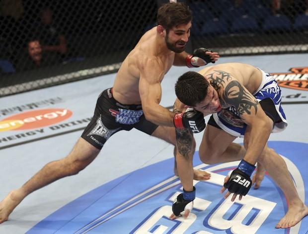 Antonio Carvalho e Daniel Pineda UFC 149 (Foto: Getty Images)