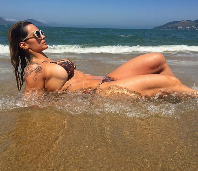 Kelly Key mostra o corpão na praia (Foto: Arquivo pessoal)