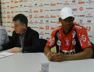 Vanderlei &#233; apresentado no Joinville (Foto: divulga&#231;&#227;o/JEC)