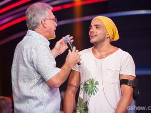 Eliminação Junior palco Bial (Foto: Fabiano Battaglin / TV Globo)
