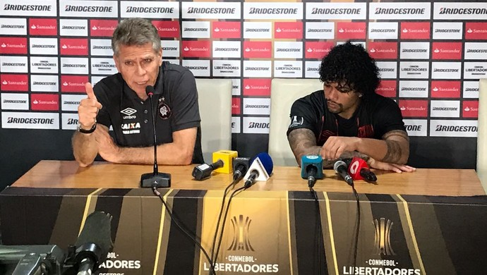 Paulo Autuori Atlético-PR Capiatá (Foto: Thiago Ribeiro)