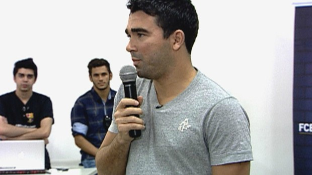 Deco no Barcelona Camp (Foto: Reprodu&#231;&#227;o/TV Globo)
