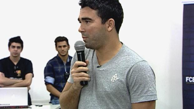 Deco no Barcelona Camp (Foto: Reprodução/TV Globo)