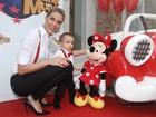 Ana Hickmann festeja 1 ano do filho Alexandre em clima de Disney World