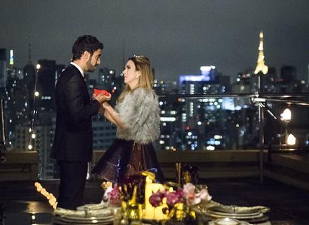 Leozinho leva Fedora para jantar em terraço e consegue enganá-la